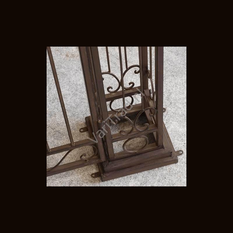 Poort Metaal, Antiek-smeedijzer-look voor tuin en wijnkelder