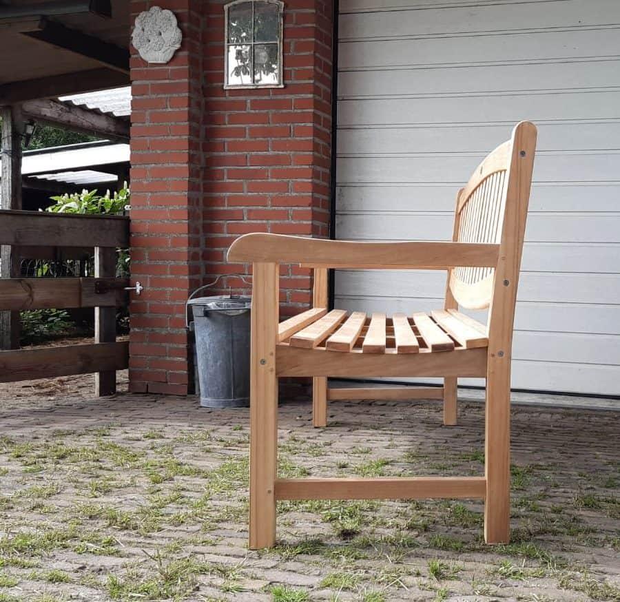 Zijaanzicht teak tuinbank